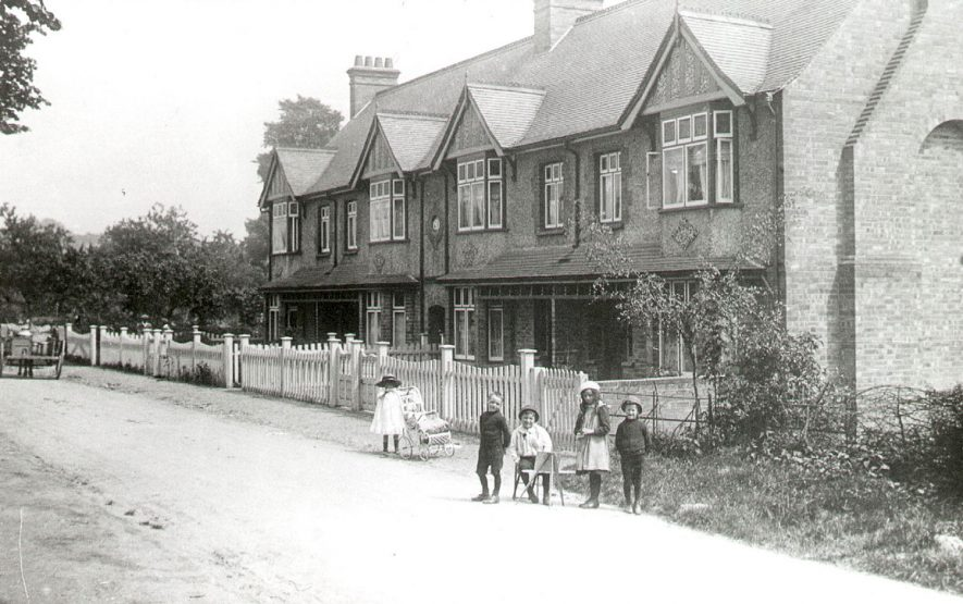Station Road, Wilmcote.  1910s |  IMAGE LOCATION: (Warwickshire County Record Office)