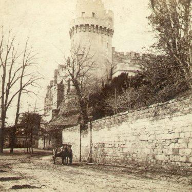 Warwick.  Castle, Caesar's Tower
