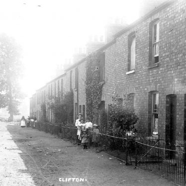Clifton upon Dunsmore.  Village street