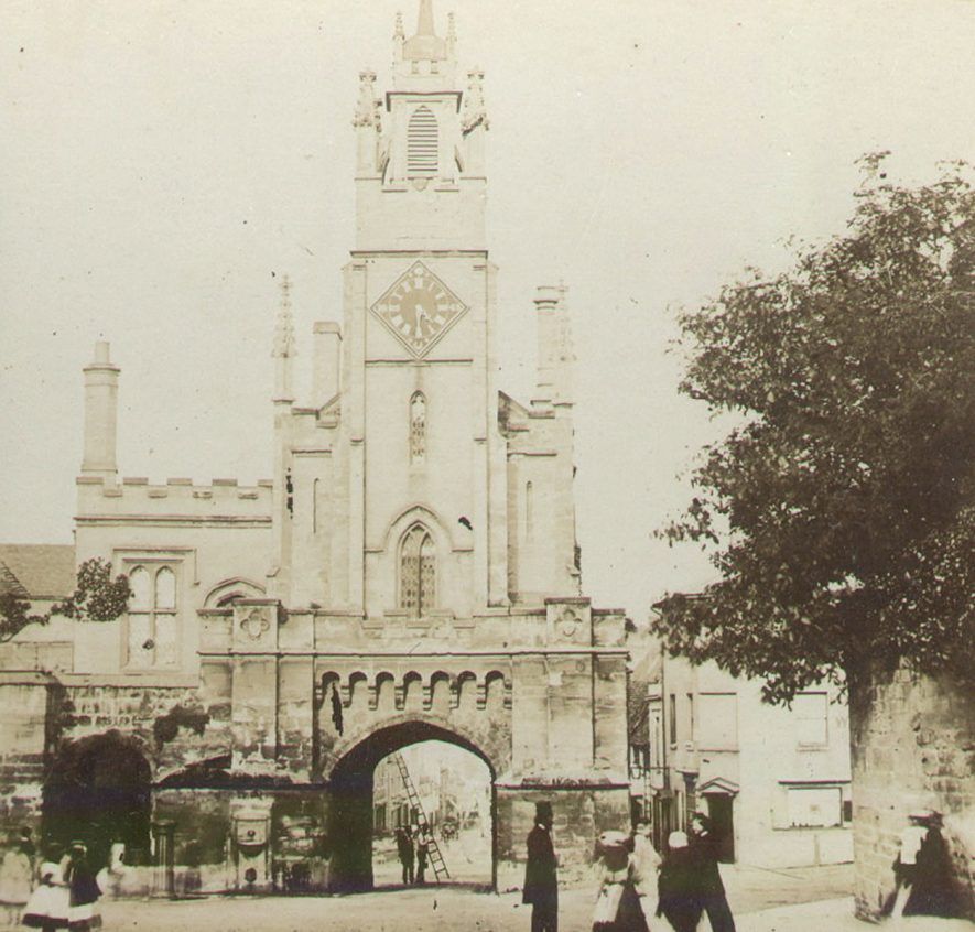 Warwick East Gate surmounted by St James' Church.  1870s |  IMAGE LOCATION: (Warwickshire County Record Office)