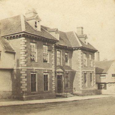 Warwick.  Landor House, Smith  Street