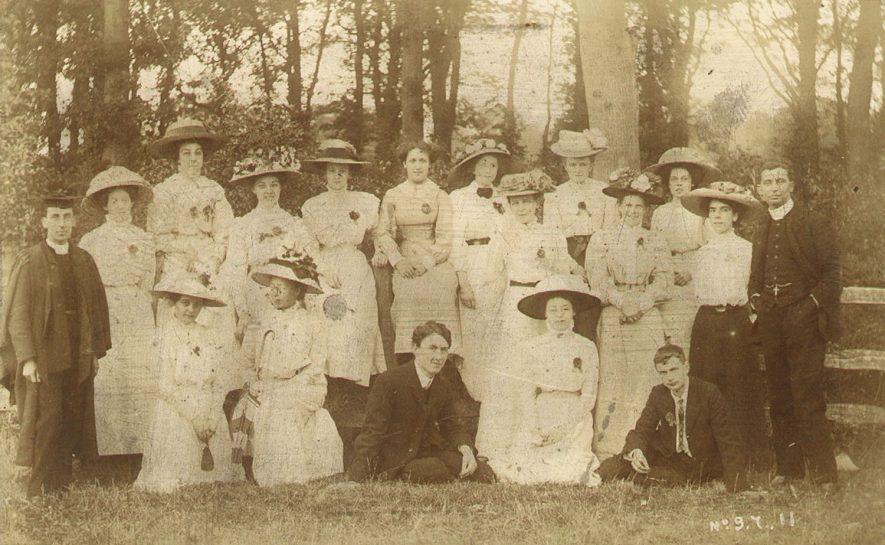 St Paul's Church Sunday School teachers, Warwick.  1910s |  IMAGE LOCATION: (Warwickshire County Record Office)