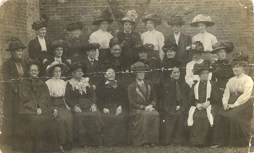 St Paul's Church Mothers Bible Class, Warwick.  1910s |  IMAGE LOCATION: (Warwickshire County Record Office)