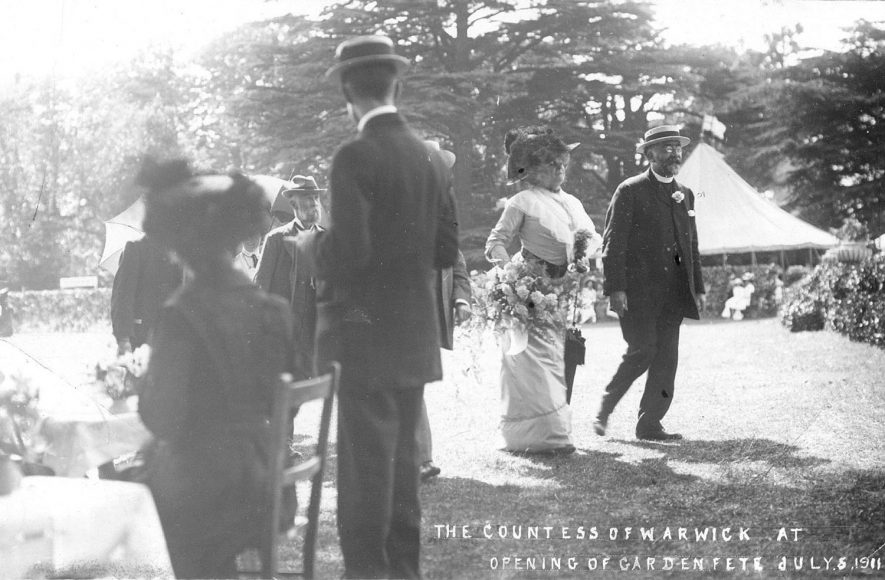 The Countess of Warwick in Warwick at the opening ceremony of a fete in 1911. |  IMAGE LOCATION: (Warwickshire County Record Office)