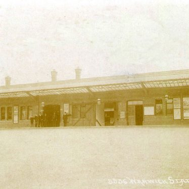 Warwick Railway Station.  1906 |  IMAGE LOCATION: (Warwickshire County Record Office)