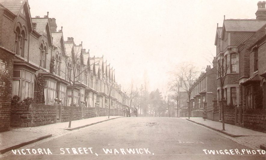 Victoria Street, Warwick.  1920s |  IMAGE LOCATION: (Warwickshire County Record Office)