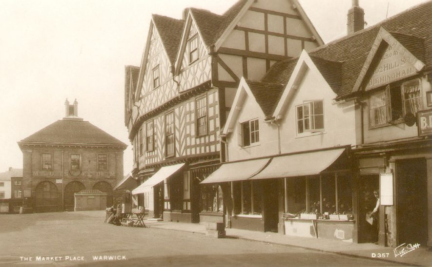 Old Market Square, Warwick.  1920s |  IMAGE LOCATION: (Warwickshire County Record Office)