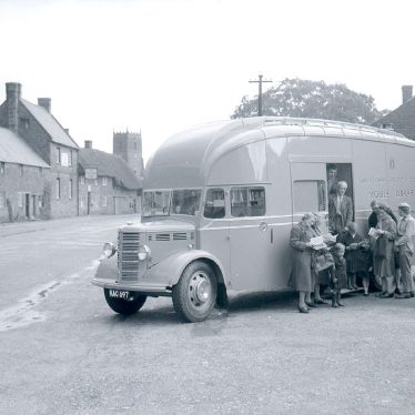 Tysoe.  Mobile library van