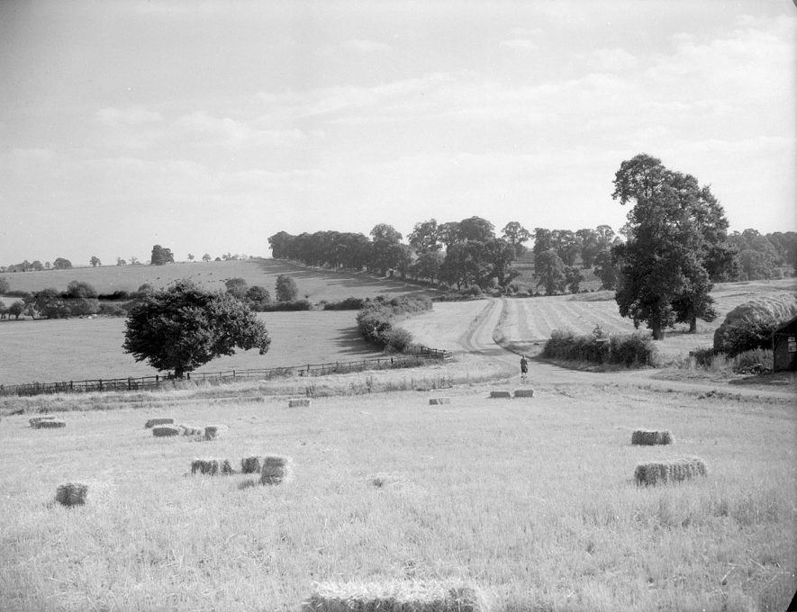View across the fields at Three Gates on The Fosseway, near Moreton Paddox.  September 22nd 1955 |  IMAGE LOCATION: (Warwickshire County Record Office)