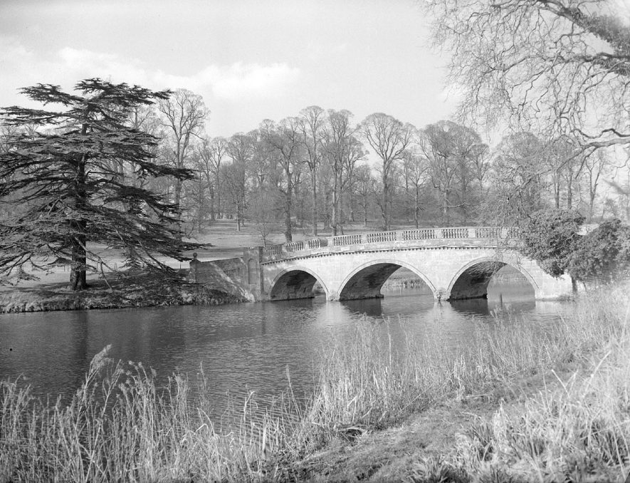 The arched bridge and lake at Compton Verney.  October 28th 1957 |  IMAGE LOCATION: (Warwickshire County Record Office)