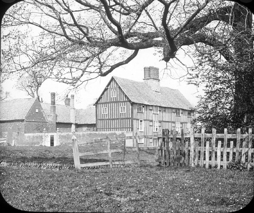 Timber structured Manor House, Clifford Chambers.   1900s |  IMAGE LOCATION: (Warwickshire County Record Office)