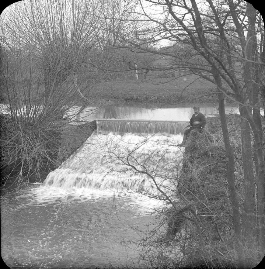 Weir on River Stour, Clifford Chambers.  1901 |  IMAGE LOCATION: (Warwickshire County Record Office)