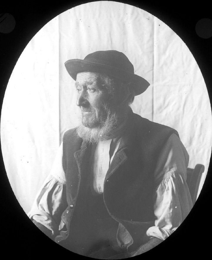 William Hunt, farmer or farm worker, Clifford Chambers.  1890s |  IMAGE LOCATION: (Warwickshire County Record Office) PEOPLE IN PHOTO: Hunt, William, Hunt as a surname
