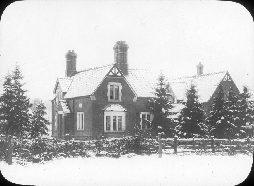 Red Hill Lodge, Clifford Chambers, in the snow.  1900s |  IMAGE LOCATION: (Warwickshire County Record Office)