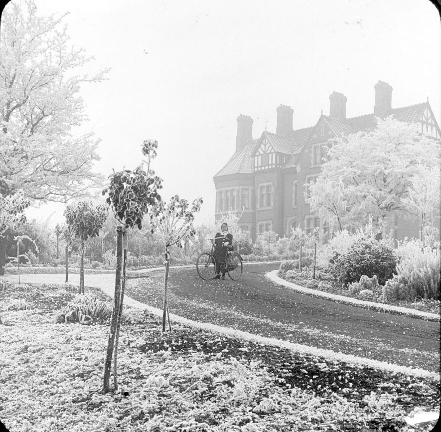 Red Hill House and drive under a heavy hoar frost.  Clifford Chambers.  1902 |  IMAGE LOCATION: (Warwickshire County Record Office)