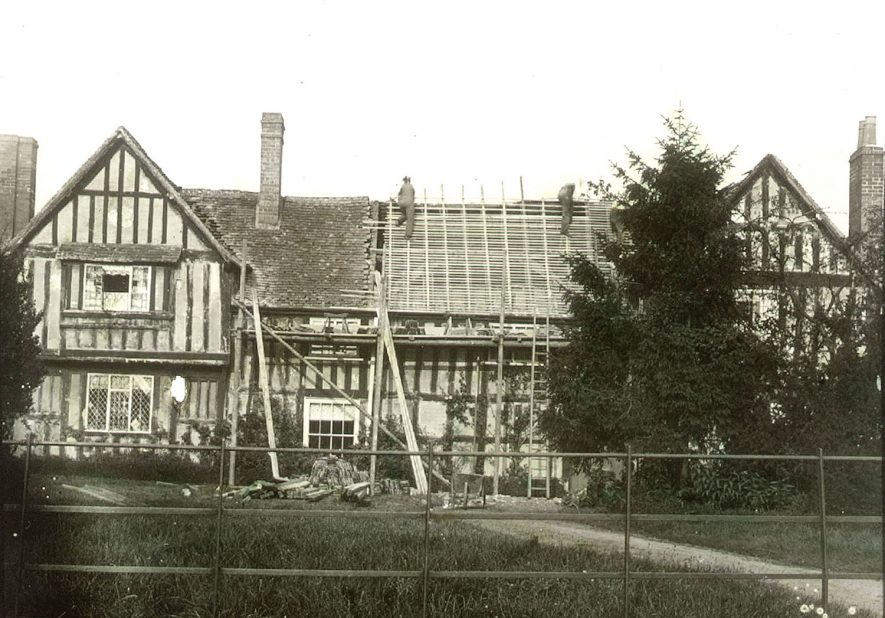 Re-roofing the rectory at Clifford Chambers.  1900s |  IMAGE LOCATION: (Warwickshire County Record Office)
