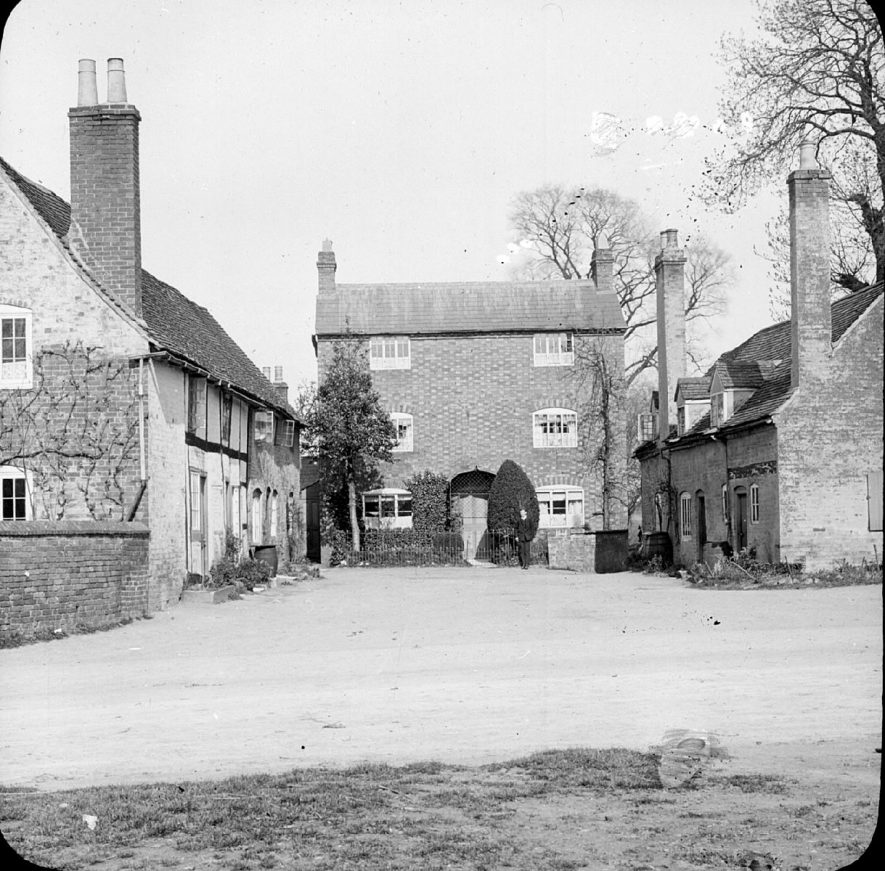 Houses in The Square, Clifford Chambers.  1900s |  IMAGE LOCATION: (Warwickshire County Record Office)