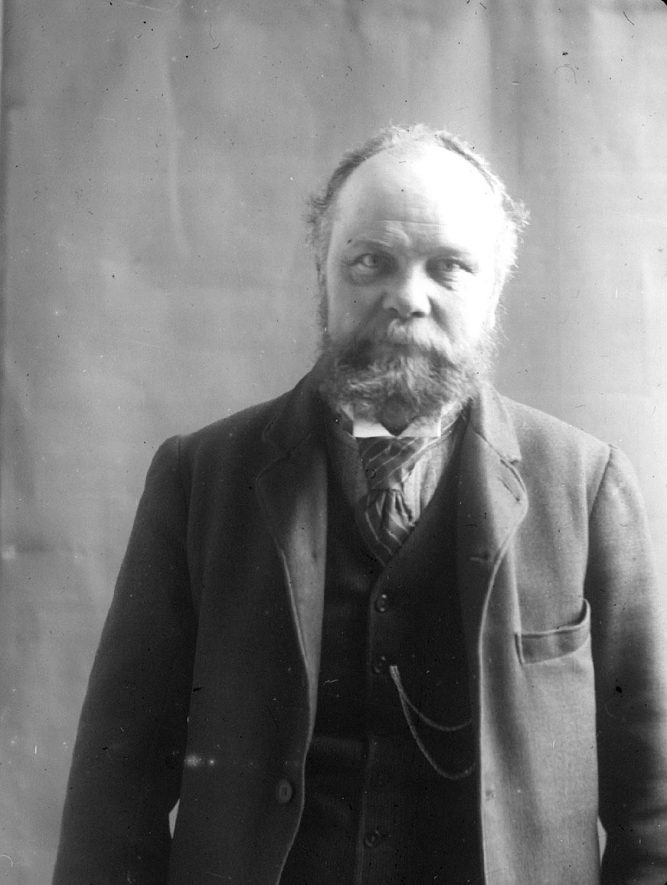 Portrait photograph of Mr. Cox, a builder of Clifford Chambers.  1900s |  IMAGE LOCATION: (Warwickshire County Record Office) PEOPLE IN PHOTO: Cox, Mr, Cox as a surname