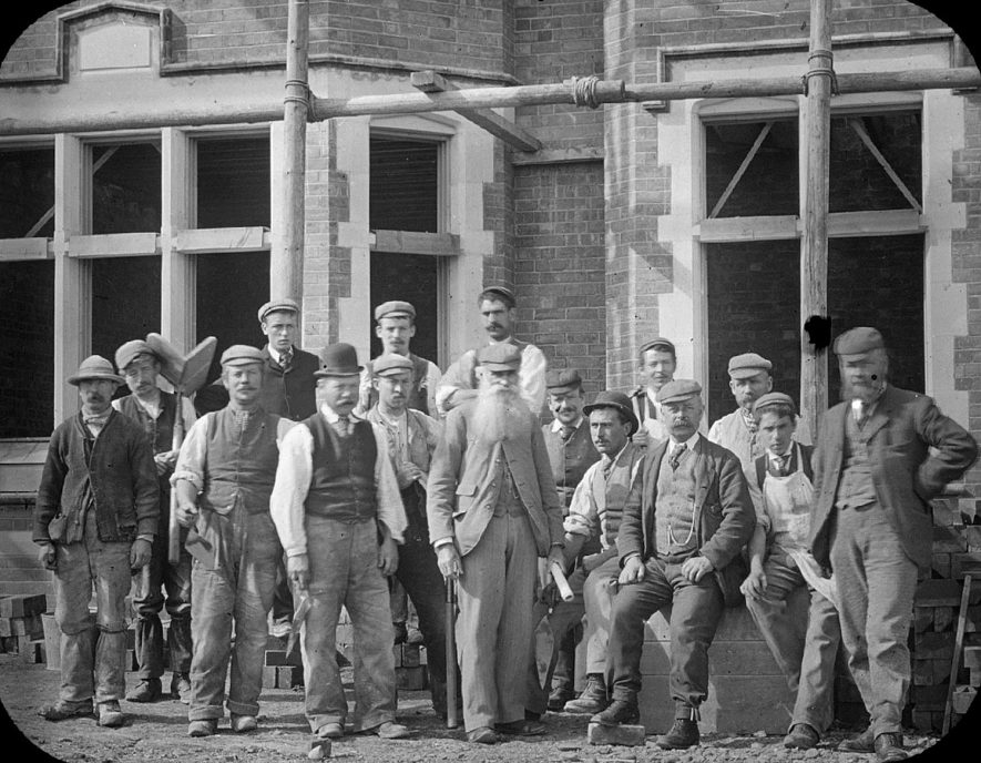 Group of building workers in front of Red Hill House as it nears completion. Clifford Chambers.  1900s |  IMAGE LOCATION: (Warwickshire County Record Office)