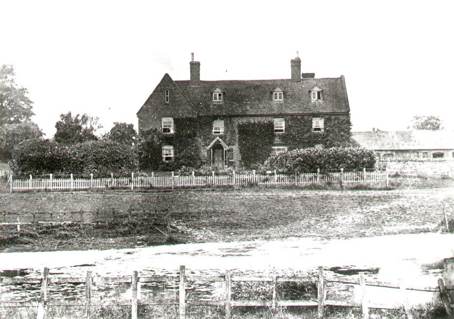 Ewefield Farm, Chesterton.  1900s |  IMAGE LOCATION: (Warwickshire County Record Office)