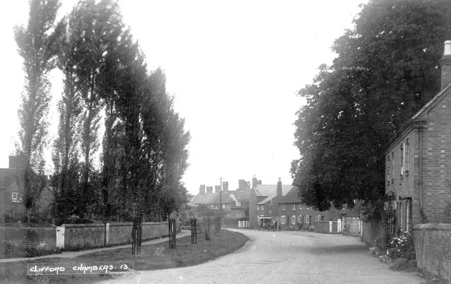 A view of a street in Clifford Chambers.  1920s |  IMAGE LOCATION: (Warwickshire County Record Office)