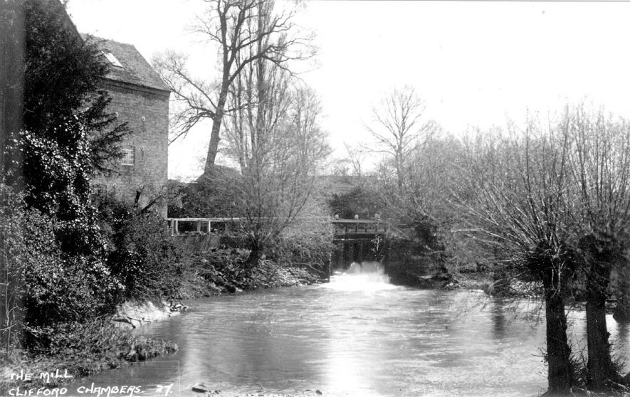 The mill and River Stour, Clifford Chambers.  1920s    IMAGE LOCATION: (Warwickshire County Record Office)