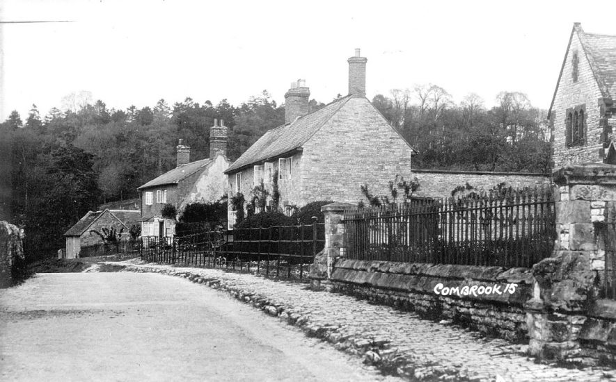 Cottages in Combrook.  1930s |  IMAGE LOCATION: (Warwickshire County Record Office)