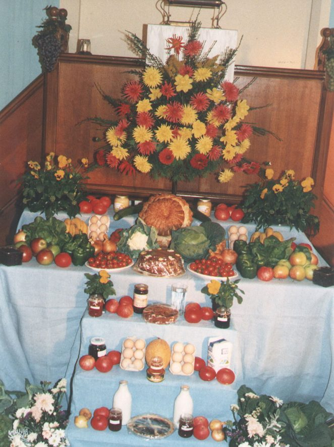 Display of offerings at Dunnington Harvest Festival.  1988 |  IMAGE LOCATION: (Warwickshire County Record Office)