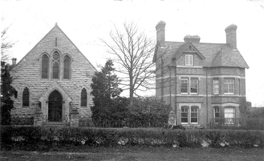 Baptist Chapel and Manse at Dunnington.  c.1920 |  IMAGE LOCATION: (Warwickshire County Record Office) IMAGE DATE: (c.1920)