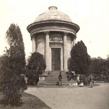 Leamington Spa.  Jephson monument