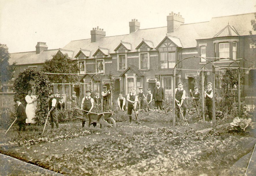 Wartime garden in first world war at Murray School, Rugby.  1917 |  IMAGE LOCATION: (Warwickshire County Record Office)