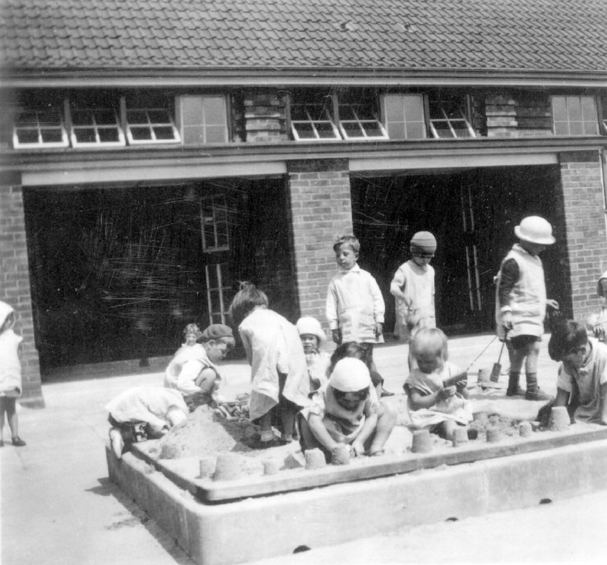 St John's School sand pit, Kenilworth.  1930s |  IMAGE LOCATION: (Warwickshire County Record Office)
