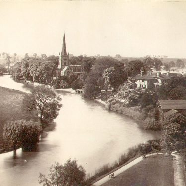 Stratford upon Avon.  River and Trinity Church