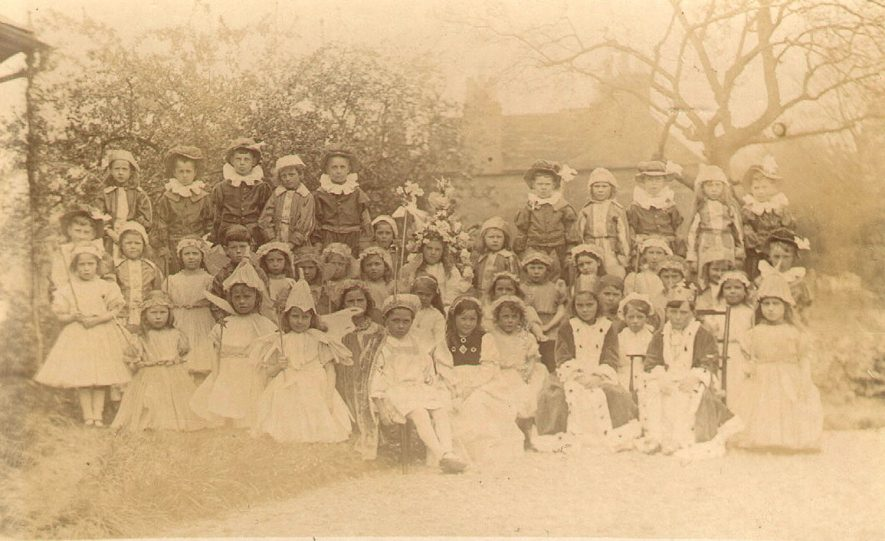 Infants at Studley Council School.  1910s |  IMAGE LOCATION: (Warwickshire County Record Office)