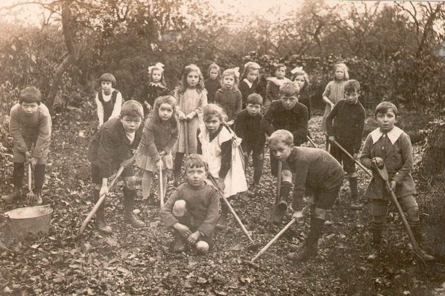 Studley Council School children in a gardening class.  1921 |  IMAGE LOCATION: (Warwickshire County Record Office)