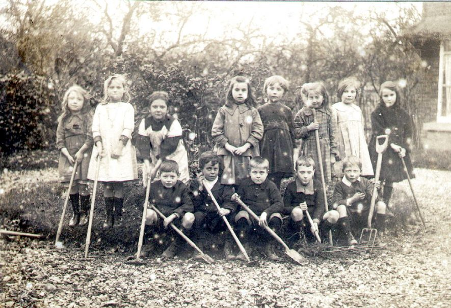 Studley Council School children gardening class.  1921 |  IMAGE LOCATION: (Warwickshire County Record Office)