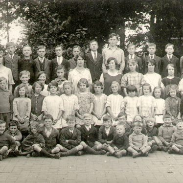 Temple Grafton.  School group photograph