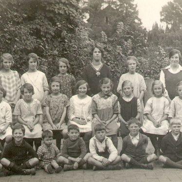 Temple Grafton.  School group photograph