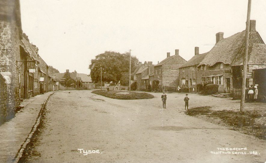 Street with cottages, two boys standing on the road. Middle Tysoe.  1914 |  IMAGE LOCATION: (Warwickshire County Record Office)