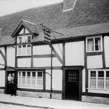 Warwick.  St Nicholas Church Street, New Bowling Green Inn