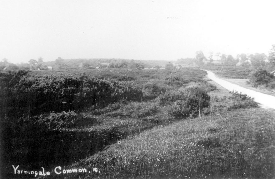 A view of Yarningale Common.  1940s |  IMAGE LOCATION: (Warwickshire County Record Office)