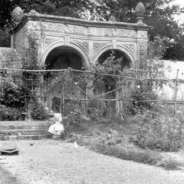 Ettington. Ettington Park, garden