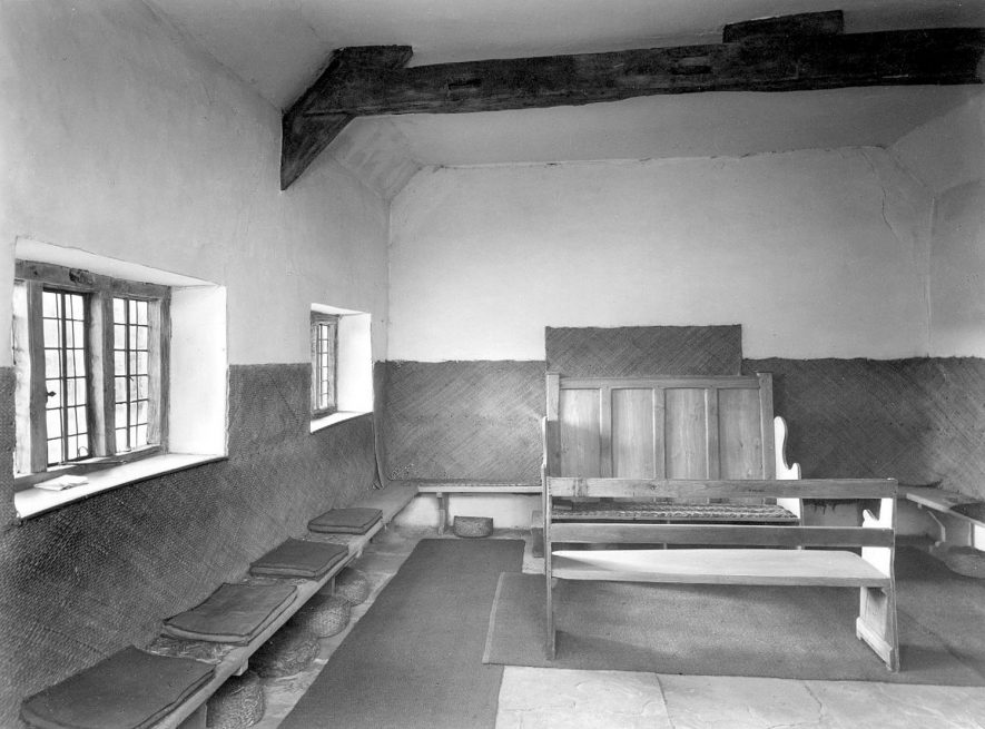 The interior of the Quaker meeting house in Ettington.  1953 |  IMAGE LOCATION: (Warwickshire County Record Office)