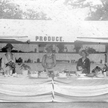 Clifford Chambers.  Produce stall at Red Hill House
