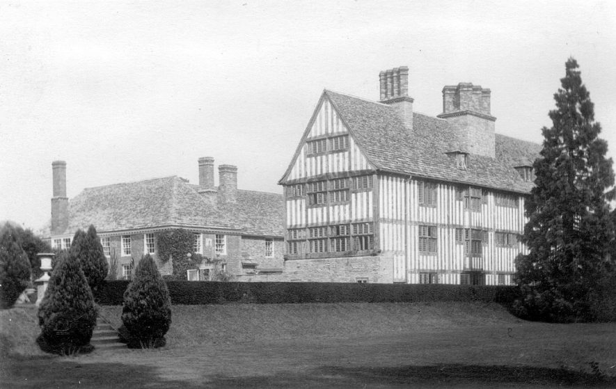 The Manor House, Clifford Chambers, after rebuilding following the fire in 1918.  1920s |  IMAGE LOCATION: (Warwickshire County Record Office)