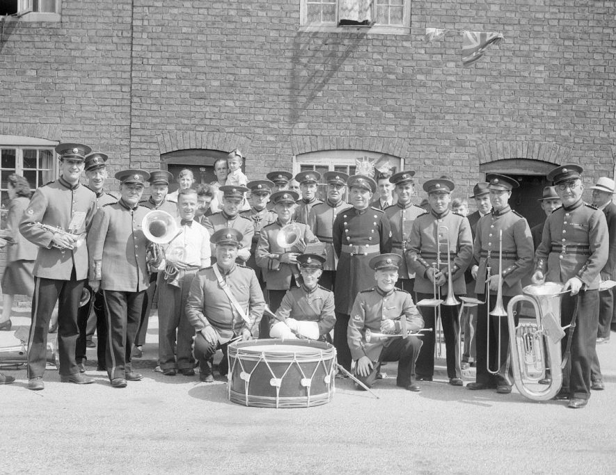 Cubbington Silver Band group photograph on carnival day, Kenilworth.  2nd July 1949 |  IMAGE LOCATION: (Warwickshire County Record Office)