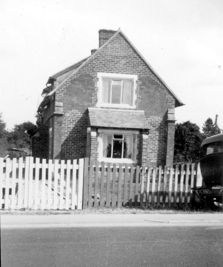 The former Methodist chapel, Clifford Chambers, following its conversion to a residential dwelling.  1952 |  IMAGE LOCATION: (Warwickshire County Record Office)