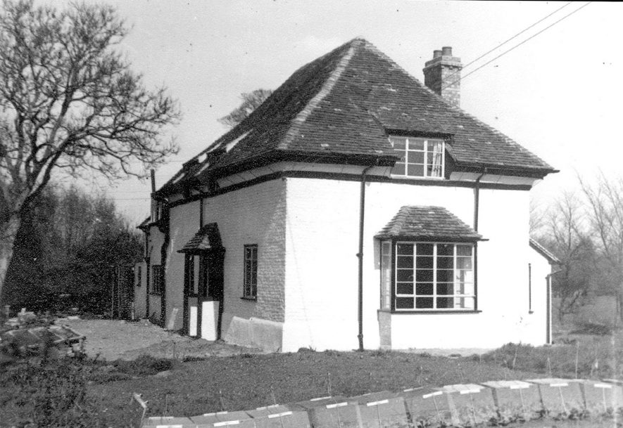 The Close, reputed to be the oldest building in Clifford Chambers, after reconstruction into one house in 1952. |  IMAGE LOCATION: (Warwickshire County Record Office)