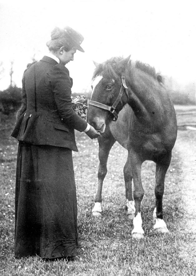 Lilian Maud Smith with her pony Dodo at Lower Brailes. Lilian was the daughter of the Rev. Smith of Lower Brailes and Dr. Findlay's second wife.  1900 |  IMAGE LOCATION: (Warwickshire County Record Office) PEOPLE IN PHOTO: Smith, Lilian Maud