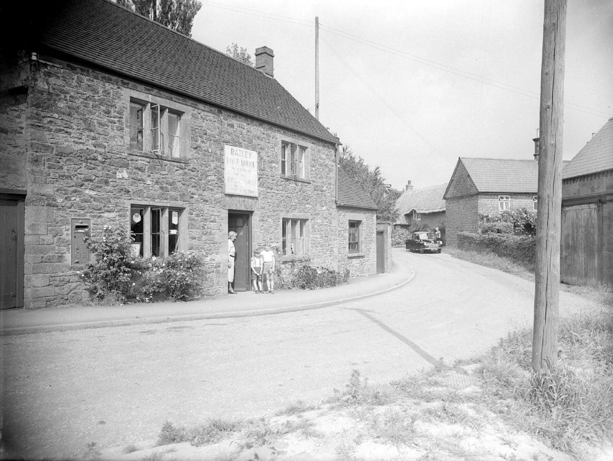 Ratley Post Office.  1955 |  IMAGE LOCATION: (Warwickshire County Record Office)